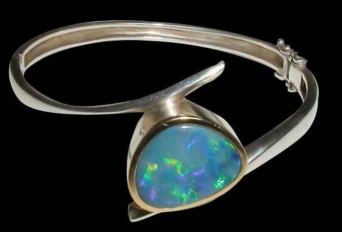 niebieski opal