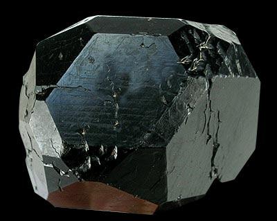 kryształ spinelu
