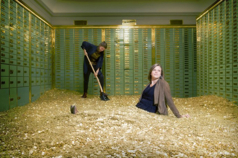 Swim in money Uncle Scrooge style – For sale a Swiss bank safe laden with 8 million coins