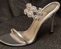 STUART WEITZMAN HOLDINGS DREAM SHOE